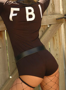 Alicia As The Naughty Fbi Agent - Picture 3