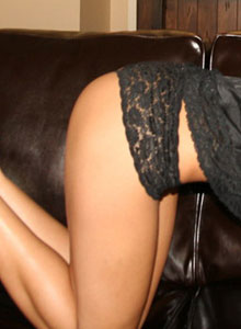 Brittanys Barely Covered Up In Her Black Lace Top - Picture 4