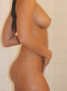 Watch 19 Year Old Cali Logan Get Naked And Wet - Picture 8