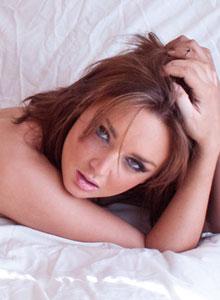 Petite Teen Carmen Sanchez Nude Trimmed Pussy Bed - Picture 10