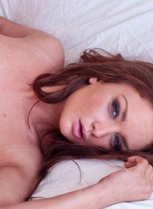 Petite Teen Carmen Sanchez Nude Trimmed Pussy Bed - Picture 11
