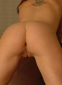 Cassie Leanne Loves To Show Off Her Perfect Ass - Picture 6