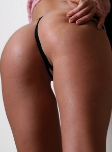 Chloe James Teases With Her Tight Round Ass In A Tiny Black G-string - Picture 8