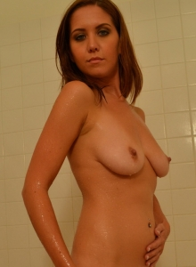 Sexy Chrissy Marie Teases As She Cleans Off Her Perfect Body In The Shower - Picture 10