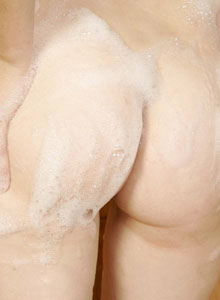 Emma Gets Wet Doing The Dishes So She Gets Naked And Covers Herself With Bubbles - Picture 8