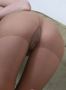 Faye Reagan Uses A Bullet Vibrator While Wearing Pantyhose - Picture 5