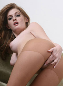 Faye Reagan Uses A Bullet Vibrator While Wearing Pantyhose - Picture 6