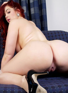 Jaye Rose Bends Over And Shows Her Tight Pink Freshly Shaven Pussy - Picture 9
