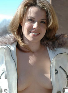 Kerie Hart Is Getting Naked Outside On The Balcony - Picture 3