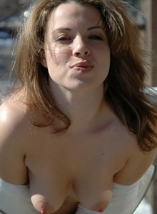 Kerie Hart Is Getting Naked Outside On The Balcony - Picture 11
