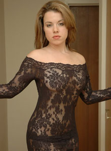 Kerie Hart Loves To Show Off Her Body In Black Lace - Picture 1