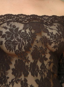 Kerie Hart Loves To Show Off Her Body In Black Lace - Picture 3