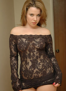 Kerie Hart Loves To Show Off Her Body In Black Lace - Picture 5