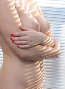 Kerie Hart Is Getting Naked In The Morning Sun - Picture 7