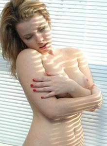 Kerie Hart Is Getting Naked In The Morning Sun - Picture 8