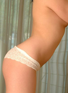 Serena Shows Off Her Perfect Body In Tiny Lace Panties - Picture 11