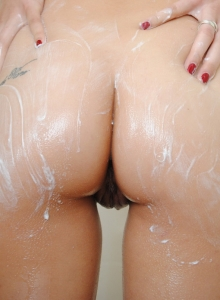 Stunning Spunky Angel Tiffany Thompson Shows Off Her Perky Perfect Tits In The Shower - Picture 5