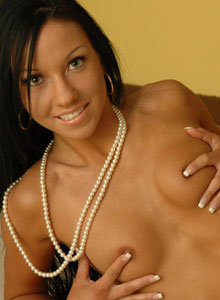 Watch As Trista Stevens Put Pearls Inside Her Sweet Pussy - Picture 1